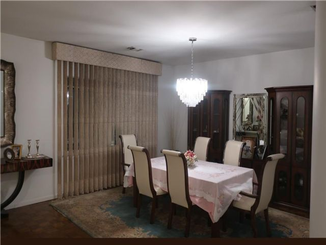 3 BR,  2.00 BTH Condominium style home in Boro-park