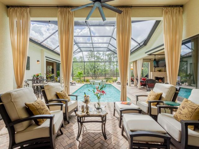 4 BR,  3.00 BTH Ranch style home in Naples