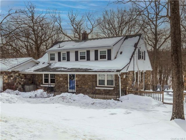 3 BR,  3.00 BTH Cape style home in Monroe