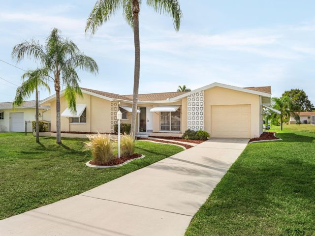 2 BR,  2.00 BTH  Ranch style home in Cape Coral