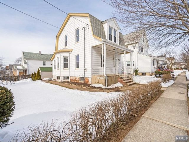 2 BR,  1.50 BTH Colonial style home in Carlstadt