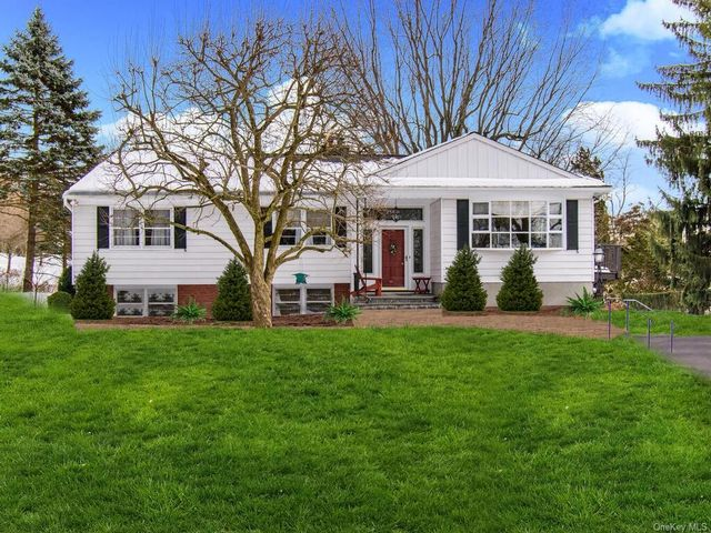4 BR,  3.00 BTH  Raised ranch style home in Ossining