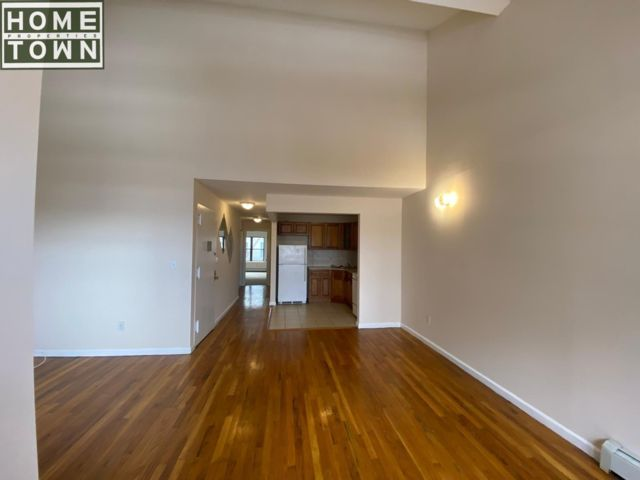 3 BR,  2.00 BTH Rental style home in Crown Heights