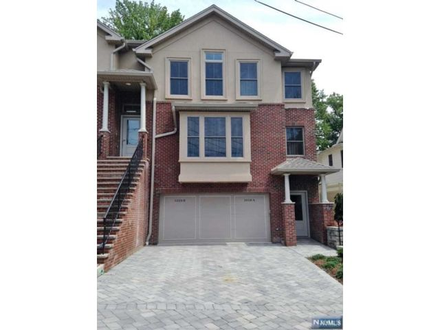 2 BR,  2.00 BTH Condo style home in Fort Lee