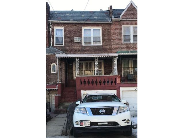 3 BR,  6.50 BTH Duplex style home in Brooklyn