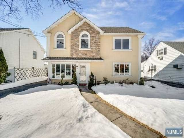 3 BR,  3.00 BTH Colonial style home in Rochelle Park
