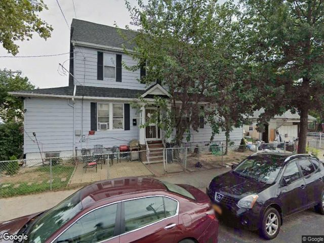 5 BR,  3.00 BTH  Multi-family style home in South Ozone Park