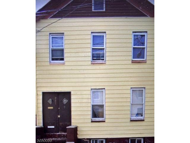 7 BR,  2.00 BTH Multi-family style home in Newark