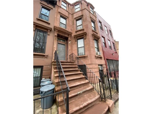 9 BR,  4.00 BTH Multi-family style home in Bedford Stuyvesant