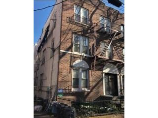 11 BR,  6.00 BTH Multi-family style home in Gravesend