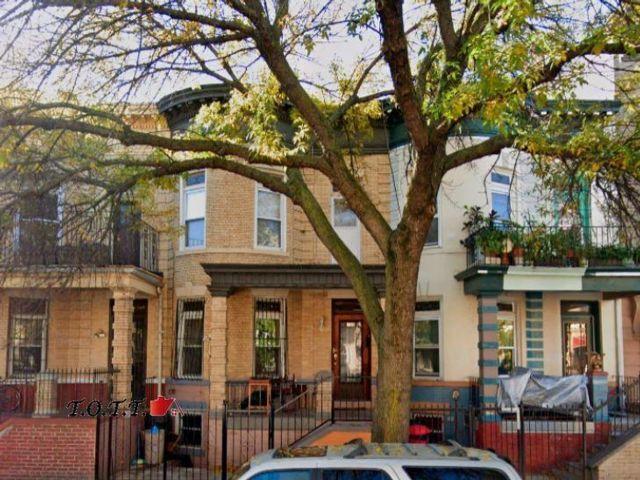 6 BR,  3.00 BTH Multi-family style home in Flatbush