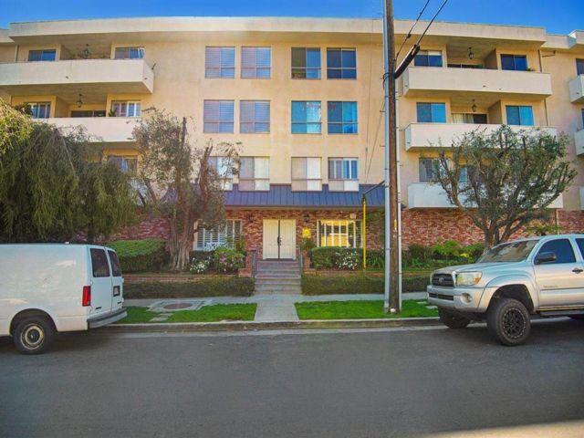 2 BR,  2.00 BTH Condo style home in Los Angeles