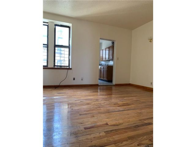2 BR,  1.00 BTH Apartment style home in Morrisania