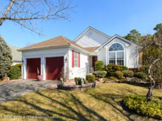 2 BR,  2.50 BTH Detached style home in Lakewood