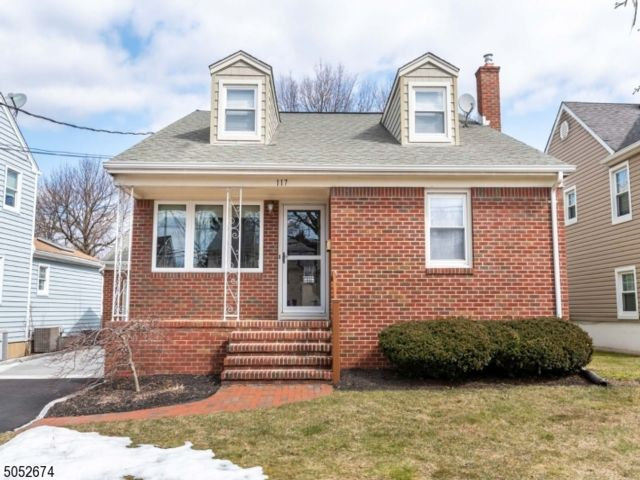 3 BR,  1.50 BTH  Colonial style home in Roselle Park