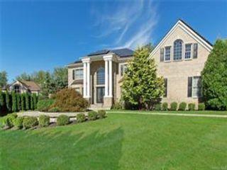[Thornwood Real Estate, listing number 6984885]