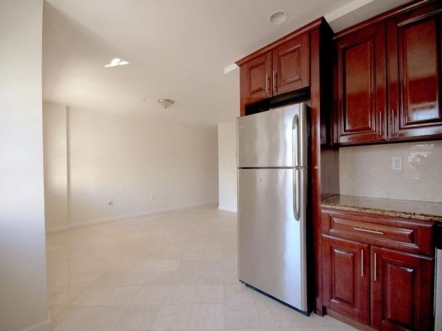 2 BR,  1.50 BTH  Apartment style home in Rockaway Beach