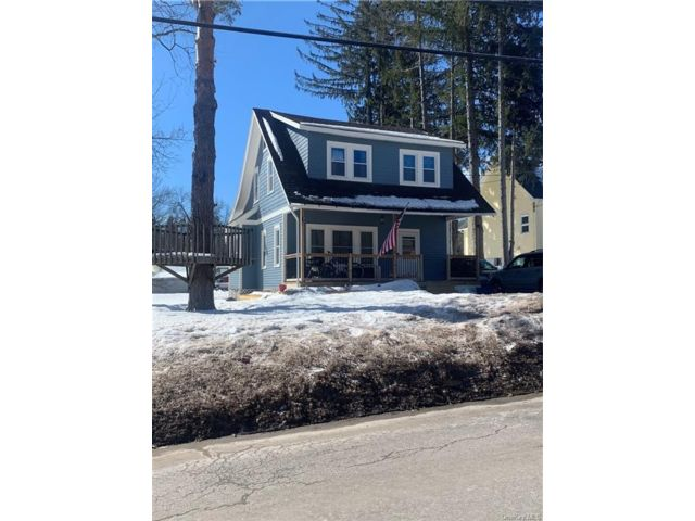 3 BR,  1.00 BTH 2 story style home in Liberty