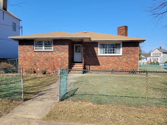3 BR,  2.00 BTH  Ranch style home in Port Reading