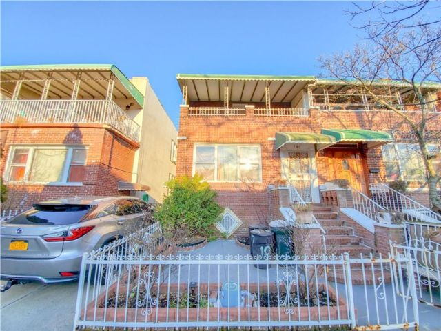 [Kensington Real Estate, listing number 6985167]