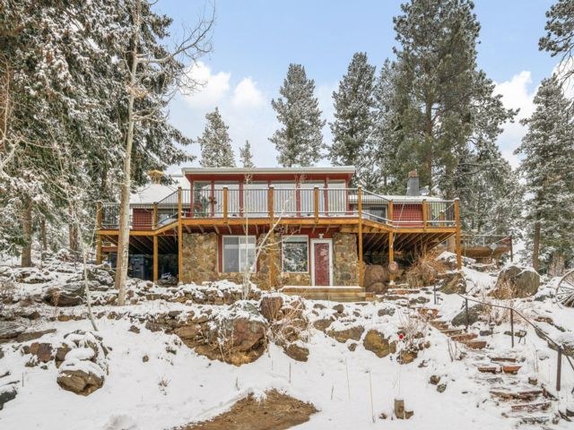 3 BR,  2.00 BTH Raised ranch style home in Evergreen
