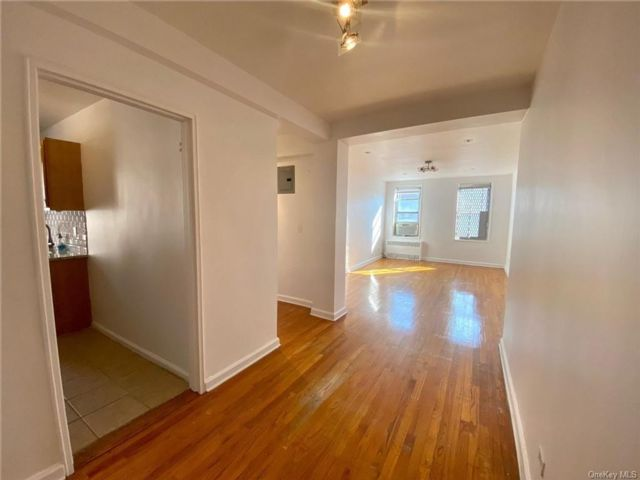 1 BR,  1.00 BTH Co-op style home in Parkchester