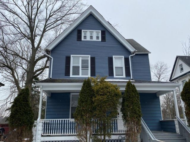 3 BR,  1.50 BTH Colonial style home in Plainfield