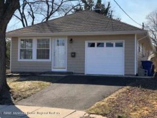 2 BR,  1.50 BTH  Detached style home in Toms River