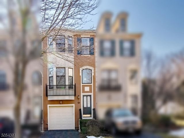 2 BR,  2.50 BTH  Townhouse-inter style home in Nutley