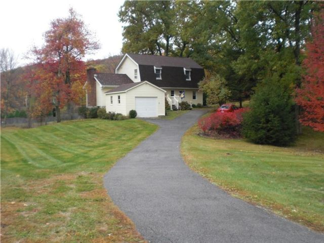 3 BR,  2.00 BTH Colonial style home in Lagrangeville