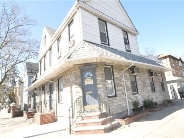 Studio,  4.00 BTH  Multi-family style home in Canarsie