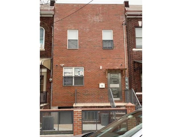 8 BR,  5.00 BTH Multi-family style home in Dyker Heights