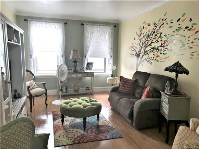 2 BR,  1.00 BTH Mid rise style home in Mosholu