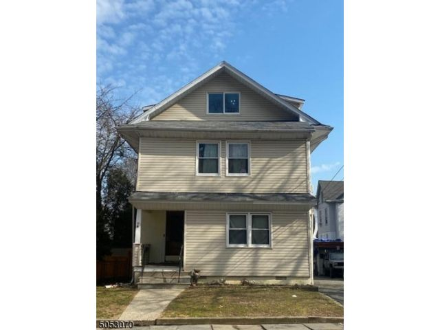 7 BR,  3.00 BTH Multi-family style home in North Caldwell