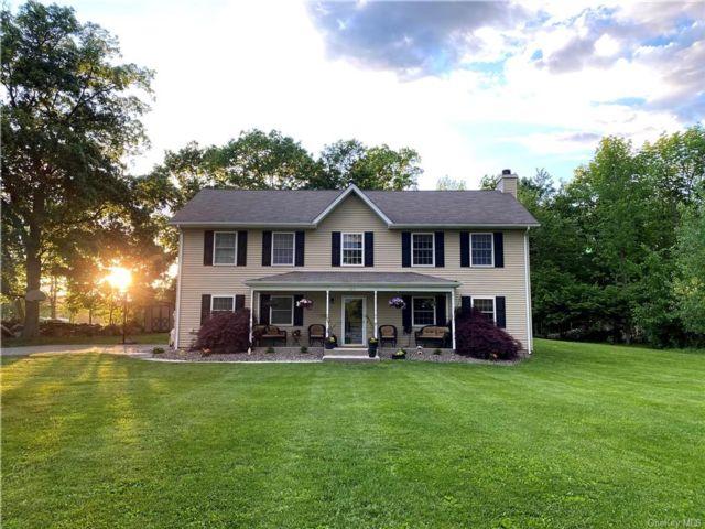 [Mount Hope Real Estate, listing number 6985970]