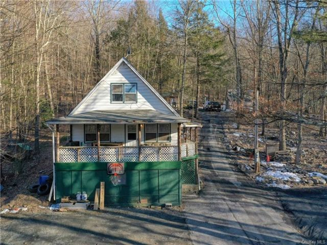 3 BR,  1.00 BTH Cottage style home in Mamakating