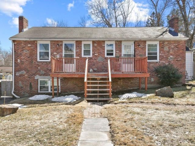 6 BR,  3.00 BTH Triplex style home in Worcester