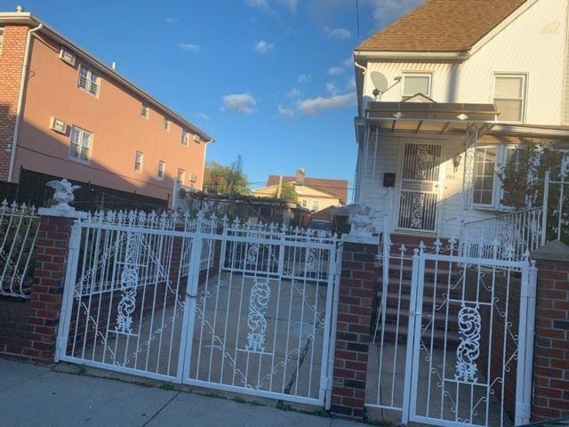 3 BR,  1.50 BTH  Single family style home in East Flatbush