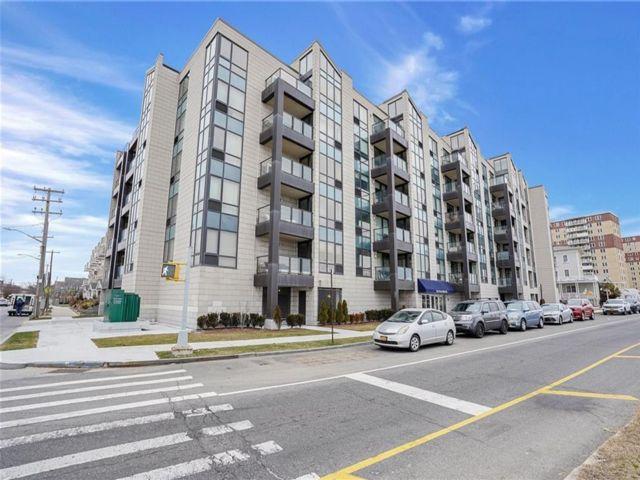 1 BR,  1.00 BTH Condominium style home in Rockaway Park