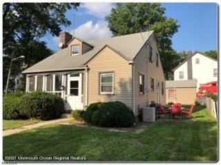 3 BR,  1.00 BTH Cape style home in Plainfield