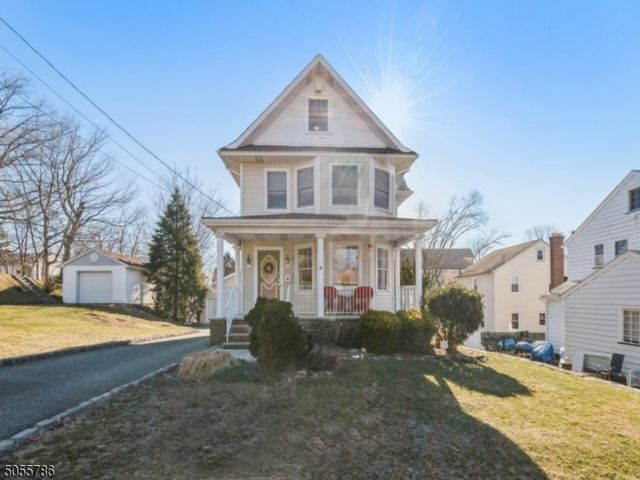 4 BR,  2.00 BTH  Colonial style home in Nutley