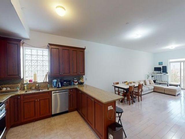 [Midwood Real Estate, listing number 6986119]