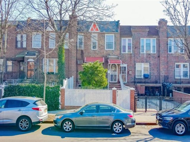 [Soundview Real Estate, listing number 6986137]