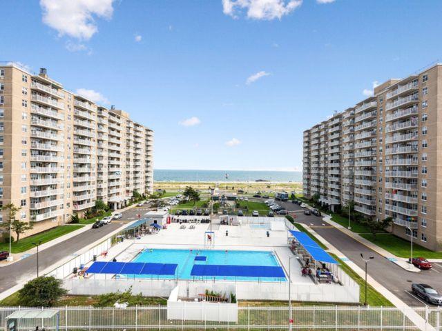 1 BR,  1.00 BTH  style home in Rockaway Beach