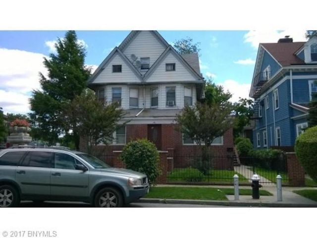 7 BR,  3.00 BTH  Single family style home in Kensington
