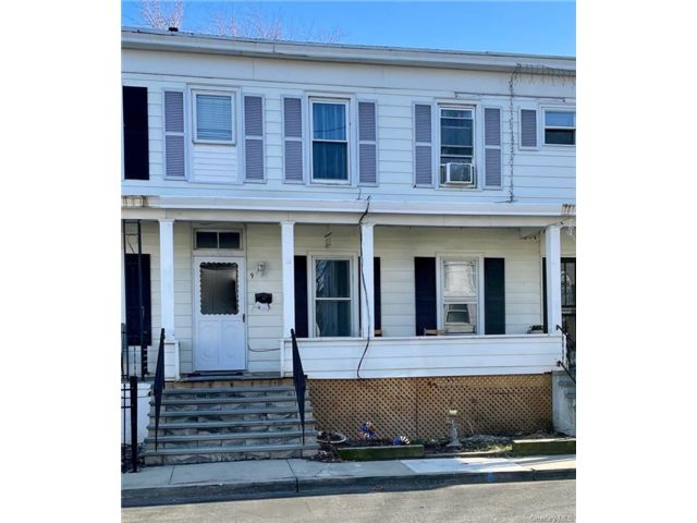 3 BR,  2.00 BTH 2 story style home in Haverstraw