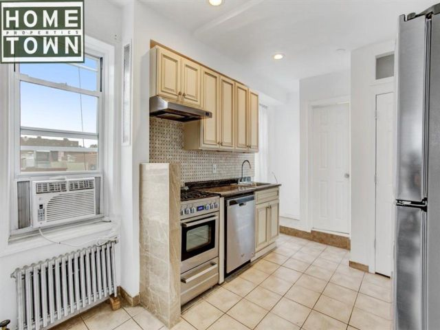 1 BR,  1.00 BTH  Rental style home in Brooklyn