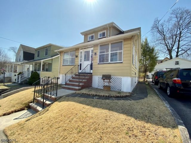 3 BR,  1.00 BTH Colonial style home in Maywood
