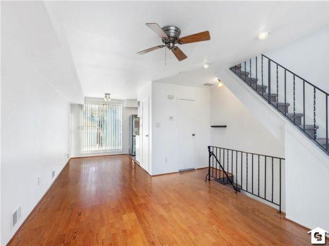2 BR,  2.00 BTH Condominium style home in New Brighton