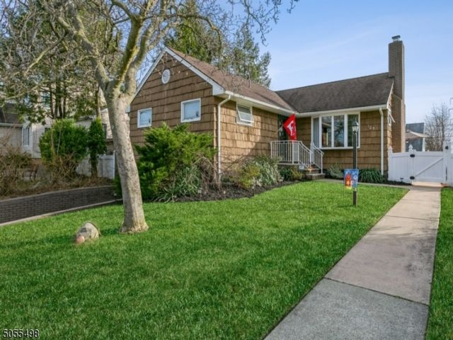 3 BR,  2.00 BTH  Ranch style home in Nutley